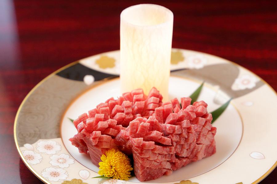 肉寿司三貫食べ比べ